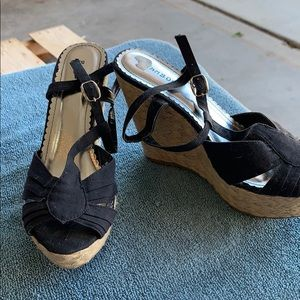 Black fabric wedge shoes
